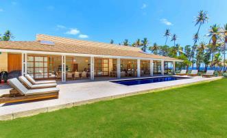 Firefly Beachfront Villa 4 Bed
