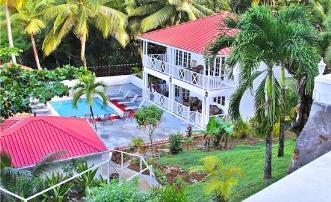 Shingle Cove - St Lucia