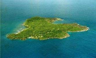 PRIVATE ISLAND  Isle de Caille