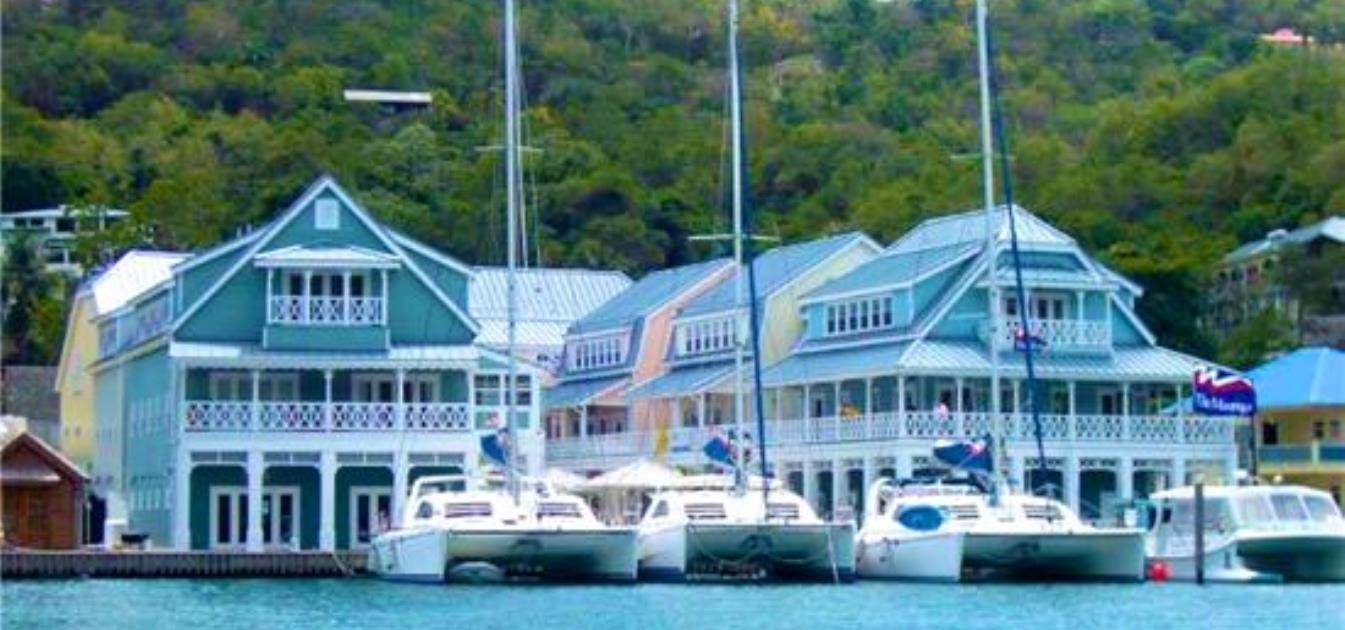 Marigot Bay Front Balcony Apartment 4F