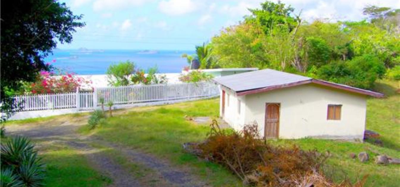 Close to Anse La Roche Beach