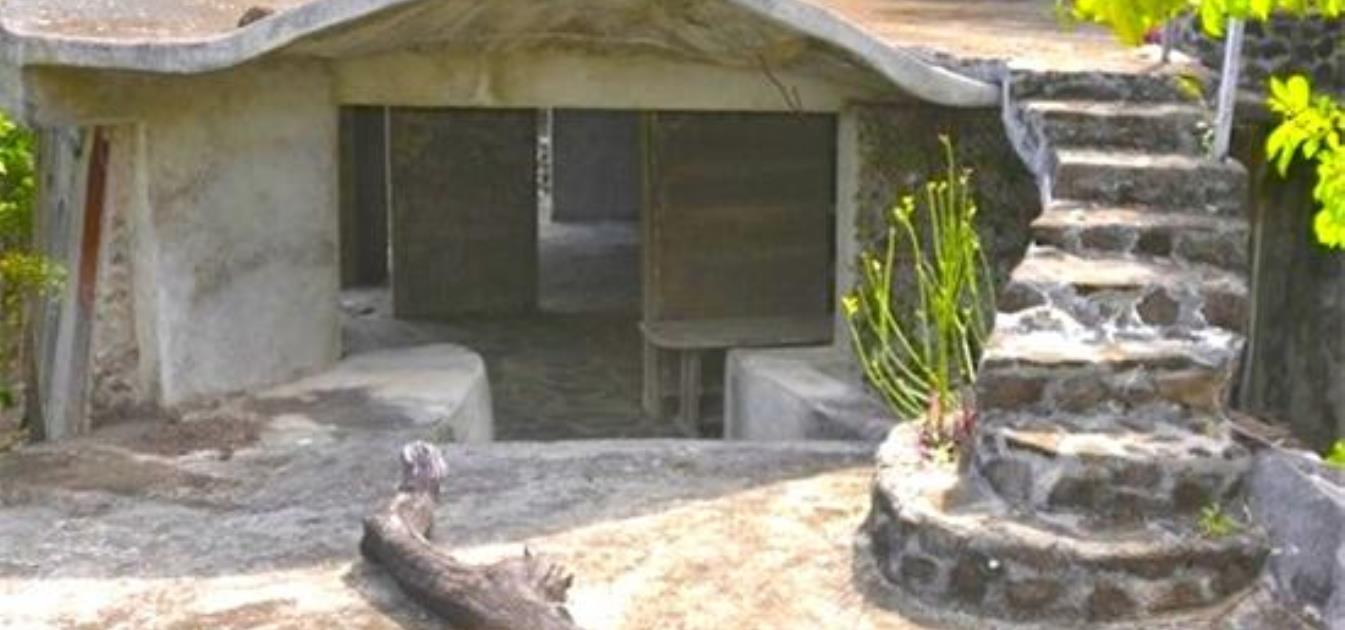 Moonhole Eco Property