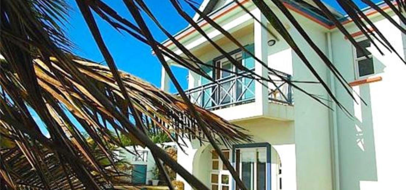 Seamoon Waterfront House