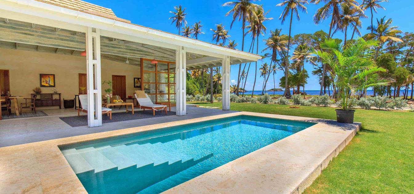 Firefly Beachfront Villa 2 Bed