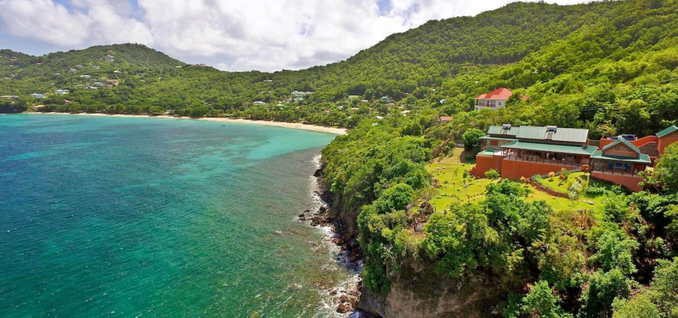 vacation-rentals/st-vincent-and-the-grenadines/bequia/lower-bay/belles-point-house