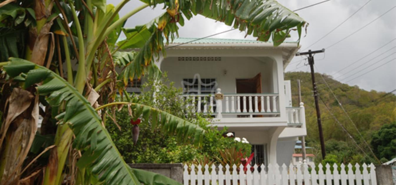 vacation-rentals/st-vincent-and-the-grenadines/bequia/ocar/papaya-apartment
