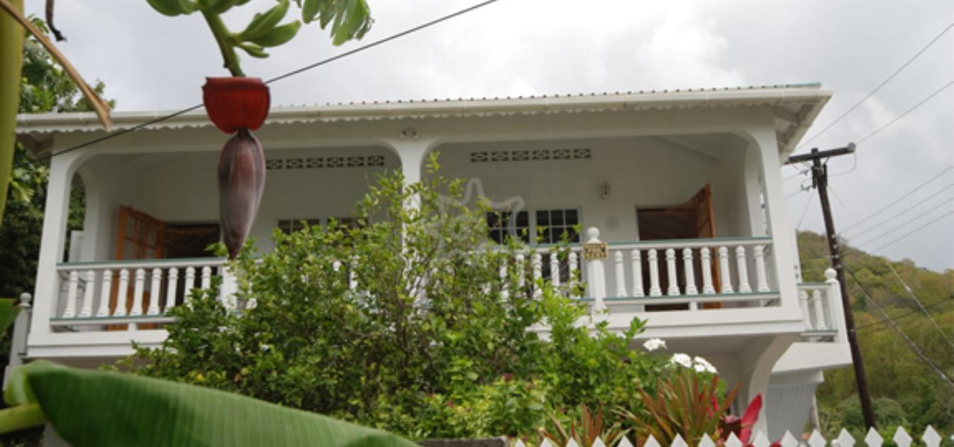 vacation-rentals/st-vincent-and-the-grenadines/bequia/ocar/breadfruit-and-papaya