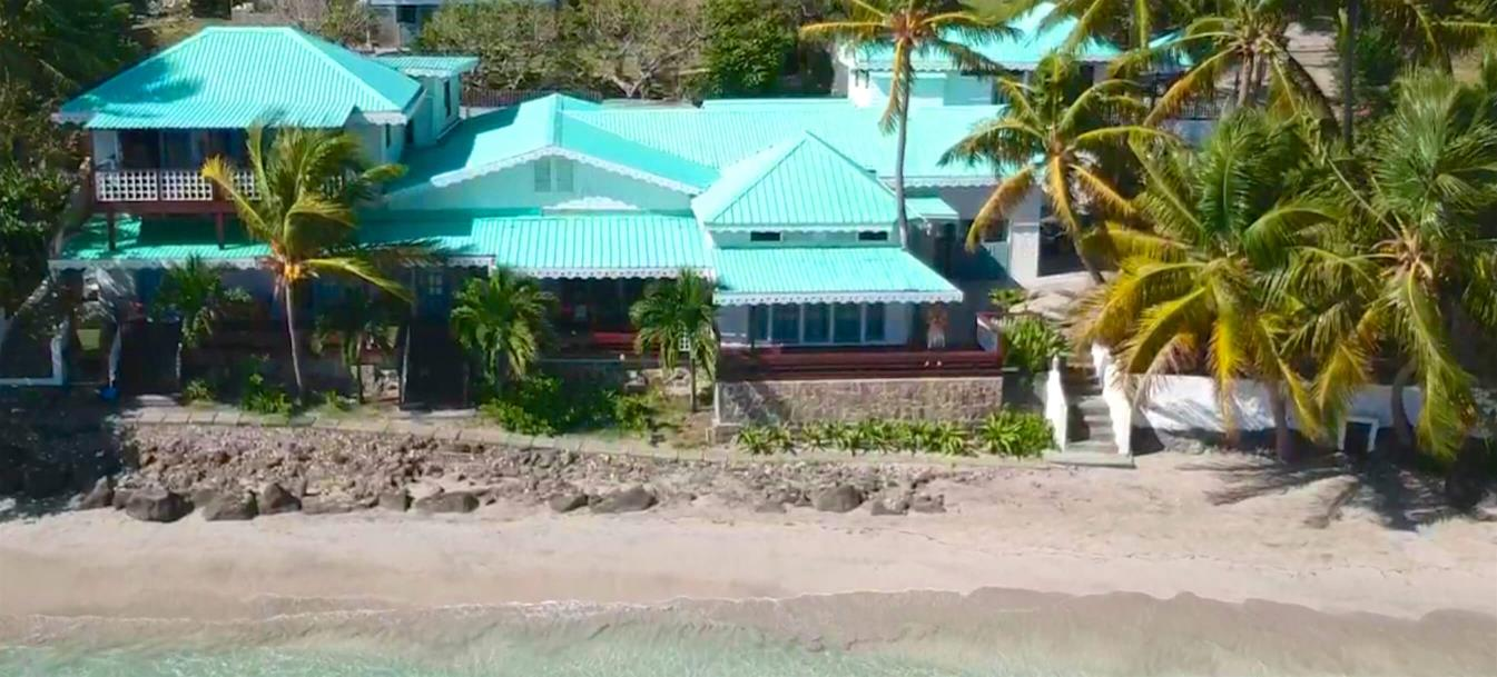 vacation-rentals/st-vincent-and-the-grenadines/bequia/friendship-bay/bequia-beachfront-estate-2-bedroom-apartment