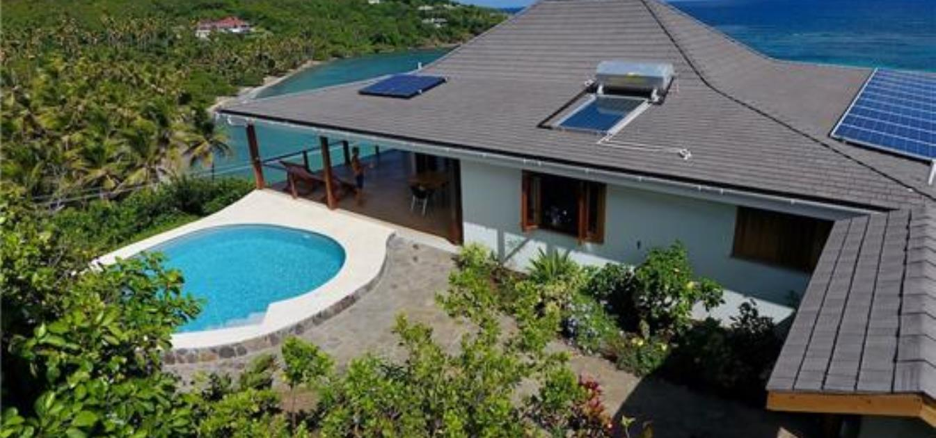 vacation-rentals/st-vincent-and-the-grenadines/bequia/crescent-bay/jamdown-upper-ocean-deck
