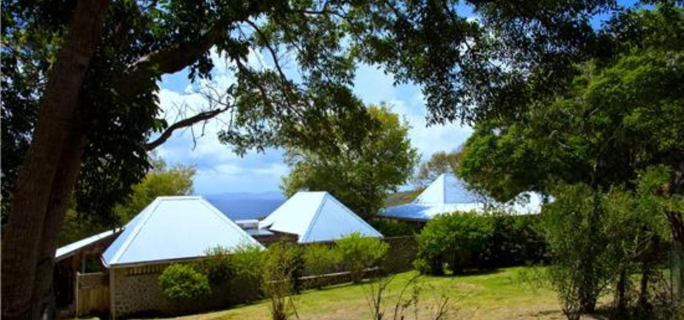vacation-rentals/st-vincent-and-the-grenadines/bequia/hope-bay/hope-house-and-cottage