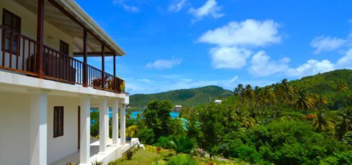 vacation-rentals/st-vincent-and-the-grenadines/bequia/crescent-bay/beachfront-plantation-house-ijeoma-tranquility