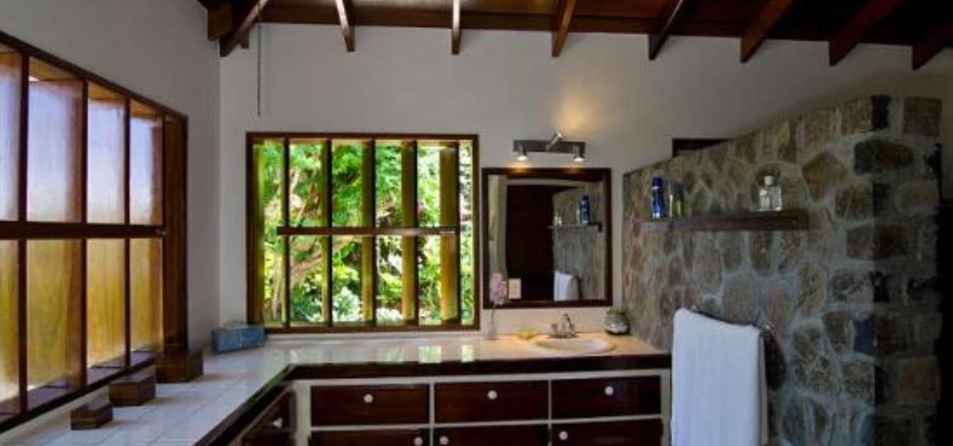 vacation-rentals/st-vincent-and-the-grenadines/bequia/belmont/13-degree-north