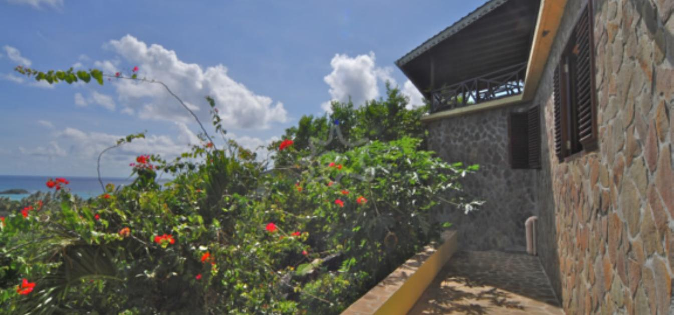 vacation-rentals/st-vincent-and-the-grenadines/bequia/spring/eastwinds-villa
