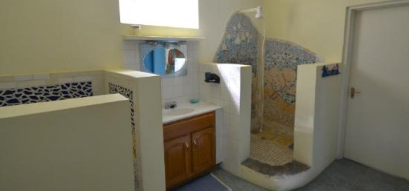 vacation-rentals/st-vincent-and-the-grenadines/st--vincent/ratho-mill/moonwater-seahorse-apartment