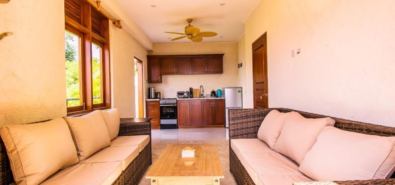 vacation-rentals/st-vincent-and-the-grenadines/bequia/bequia-estates/sunbird-apartments