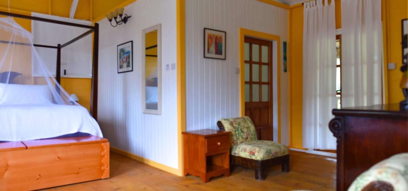 vacation-rentals/grenada/grenada-island/victoria/mount-edgecombe-plantation-nutmeg-room-4