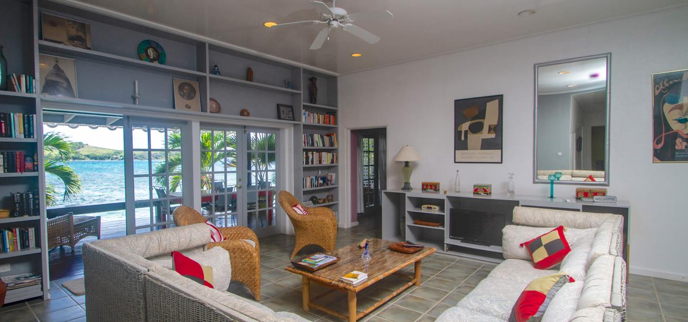 vacation-rentals/st-vincent-and-the-grenadines/bequia/friendship-bay/bequia-beachfront-estate-3-or-4-bedroom-villa