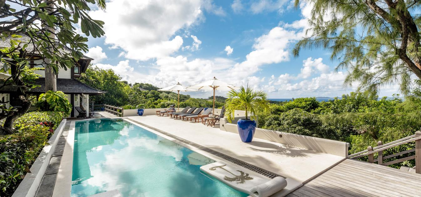vacation-rentals/st-vincent-and-the-grenadines/mustique/central-hillside/azure