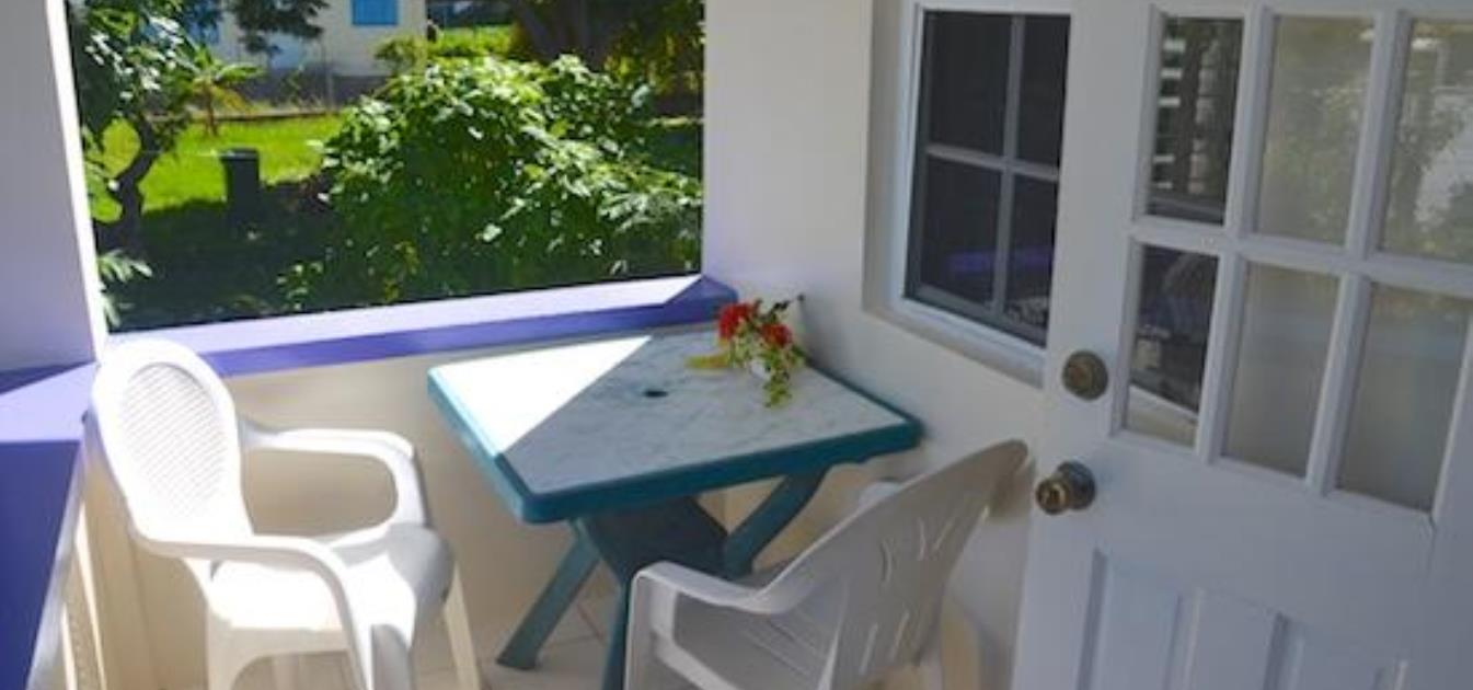 vacation-rentals/st-vincent-and-the-grenadines/bequia/lower-bay/keegan's-cottage-sapodilla