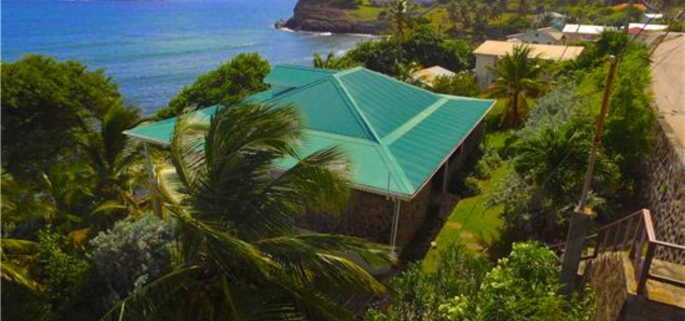 vacation-rentals/st-vincent-and-the-grenadines/bequia/la-pompe/la-luna-azul-upper