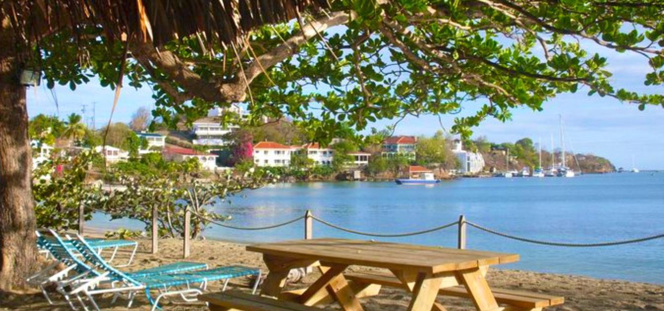 vacation-rentals/grenada/grenada-island/lance-aux-epines/lance-aux-epines-2-bed-shared-bathroom-apt