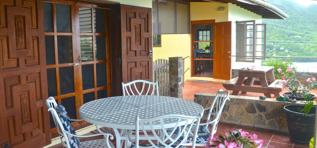 vacation-rentals/st-vincent-and-the-grenadines/bequia/lower-bay/coco's-villa