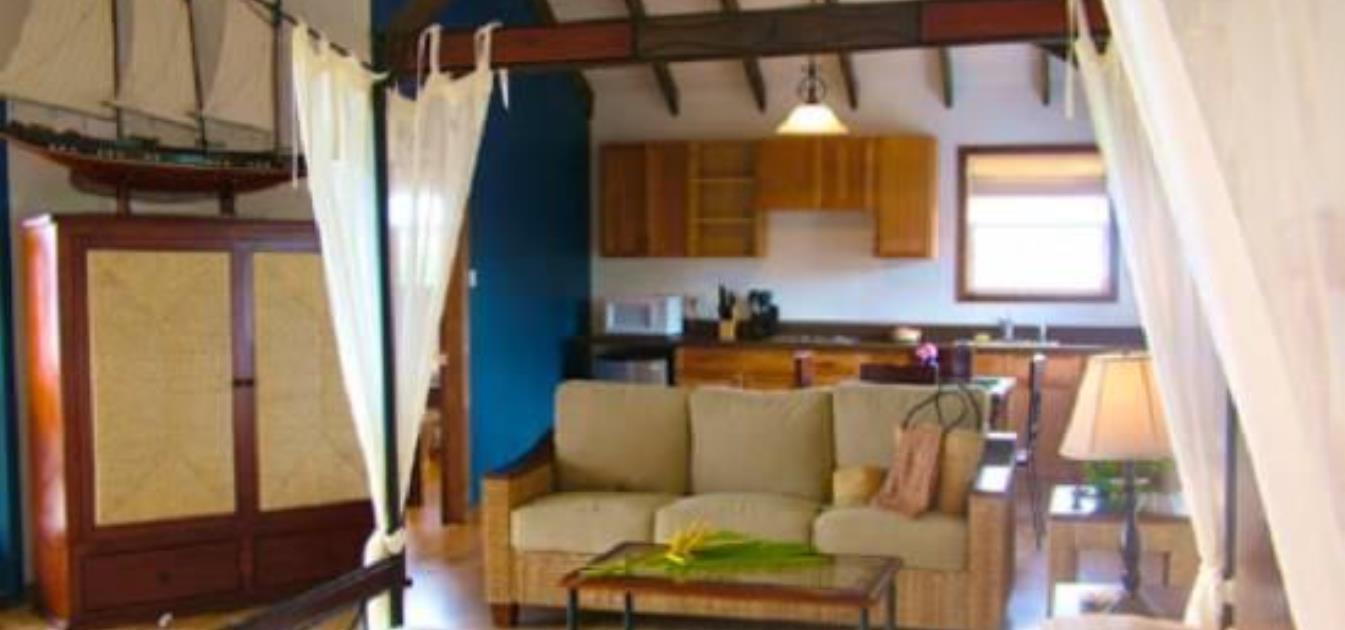 vacation-rentals/grenada/grenada-island/true-blue/blue-bay-tower-room
