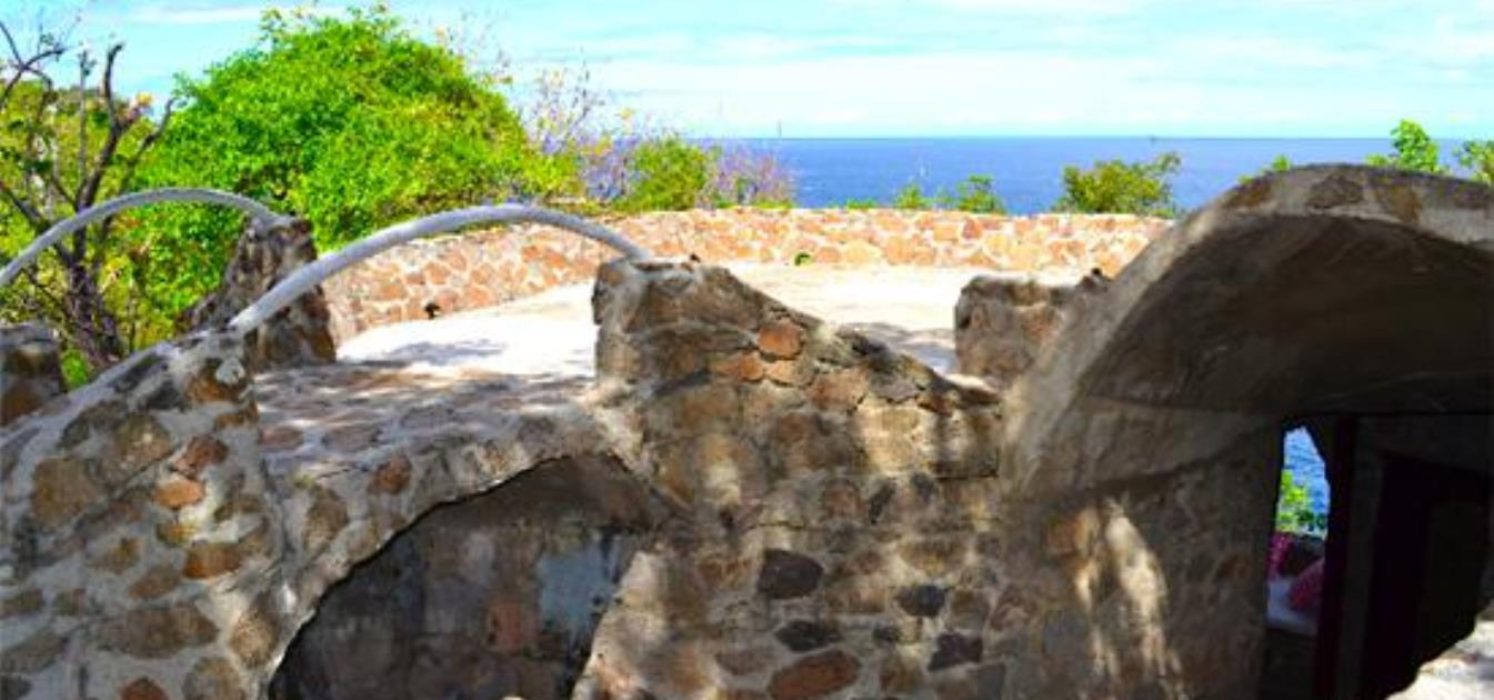 vacation-rentals/st-vincent-and-the-grenadines/bequia/moonhole/moonhole-eclipse