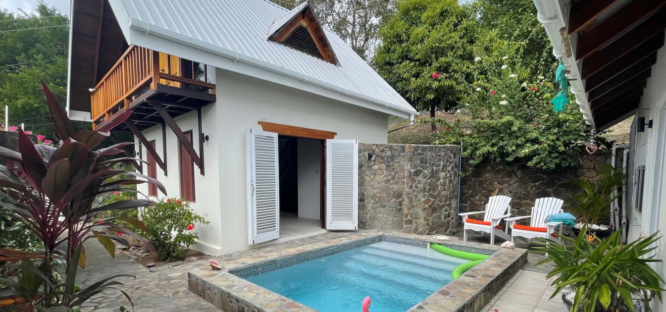 vacation-rentals/st-vincent-and-the-grenadines/bequia/ocar/harbour-view-villa