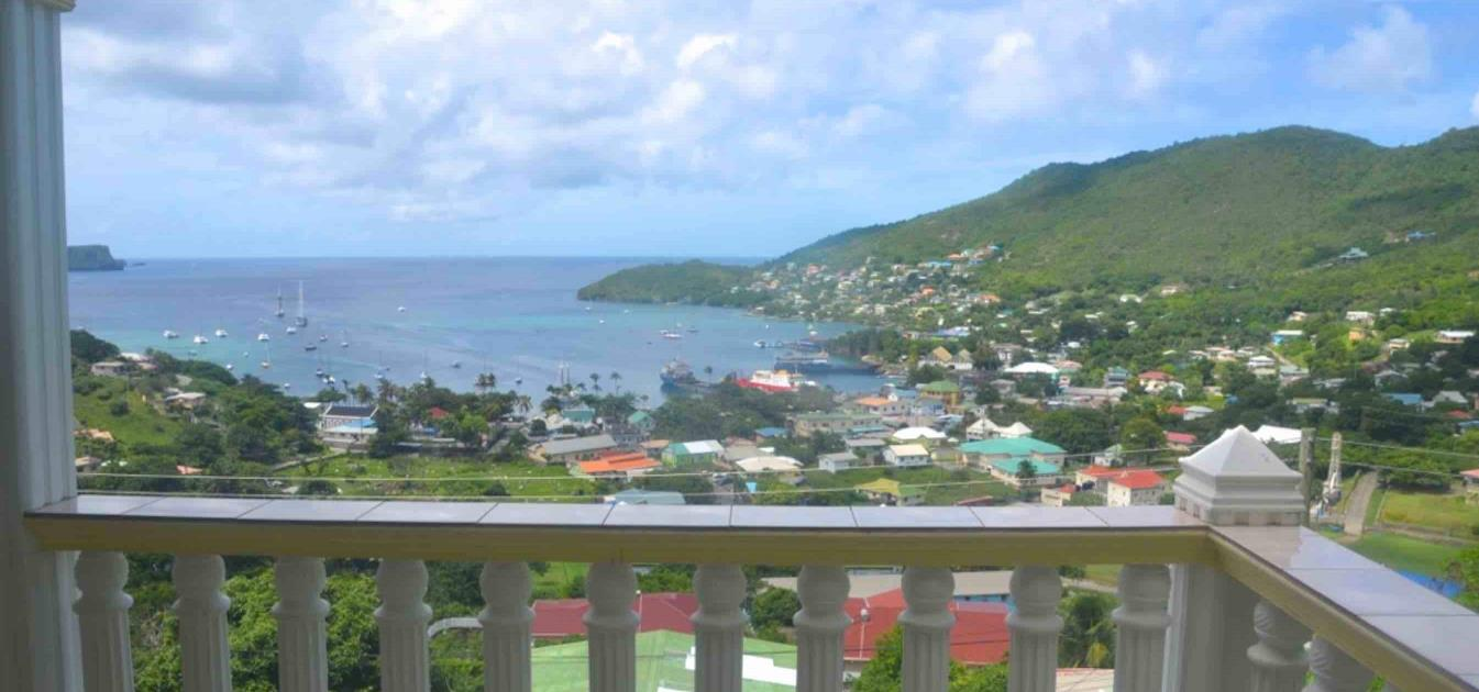 vacation-rentals/st-vincent-and-the-grenadines/bequia/port-elizabeth/la-buena-vista
