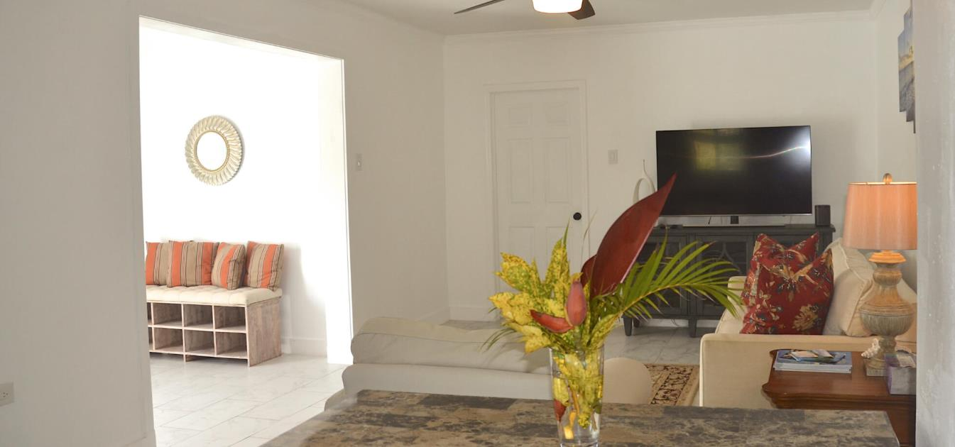 vacation-rentals/st-vincent-and-the-grenadines/bequia/hope-bay/hope-view-entire-villa