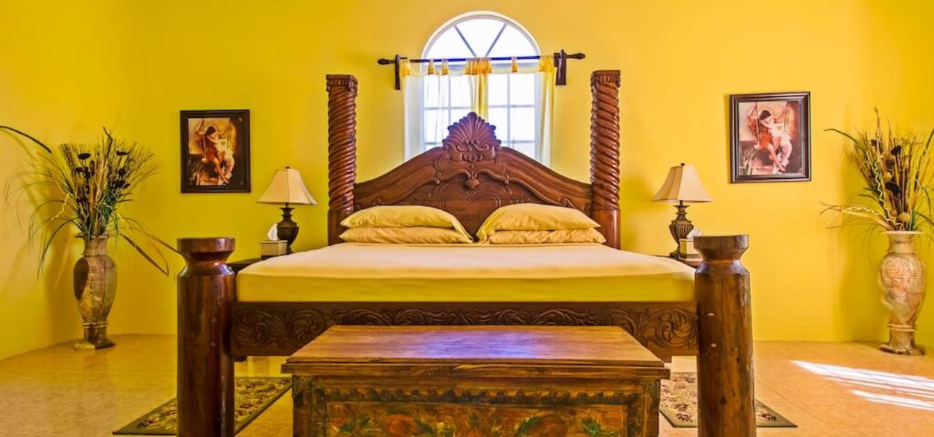 vacation-rentals/st-vincent-and-the-grenadines/bequia/hope-bay/camelot