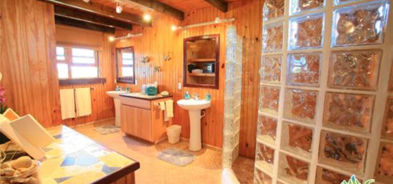 vacation-rentals/anguilla/anguilla/white-hill/wesley-house