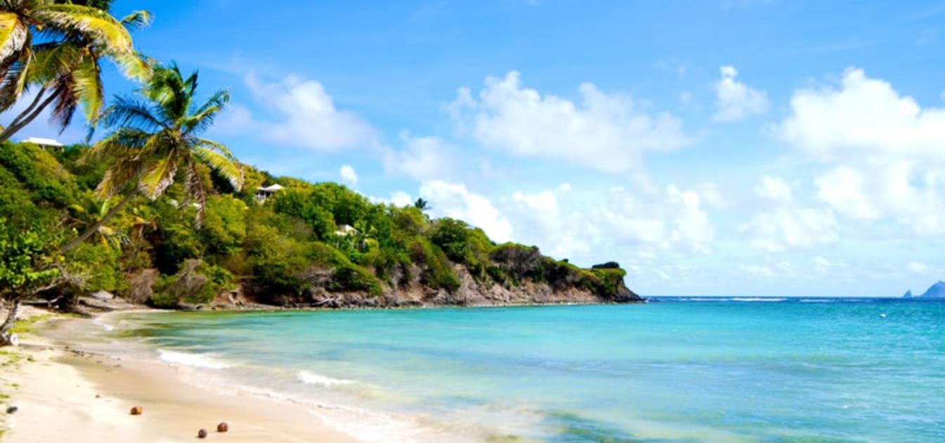 vacation-rentals/st-vincent-and-the-grenadines/bequia/crescent-bay/beachfront-plantation-house-ijeoma-shoreside