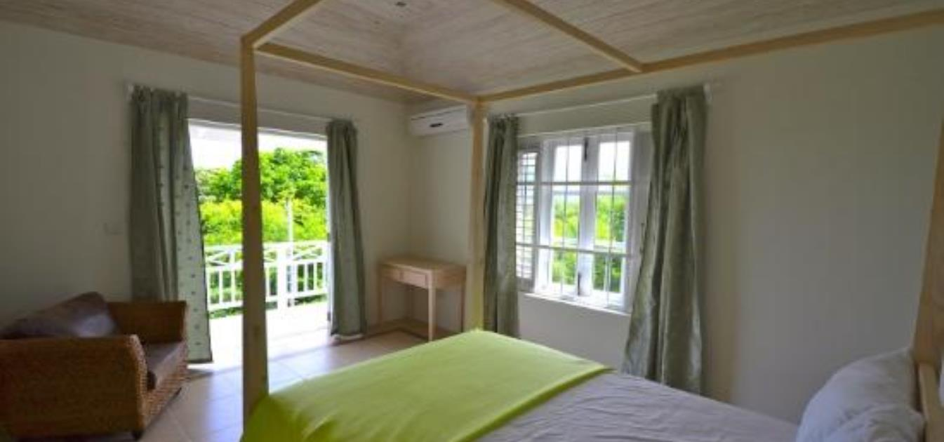 vacation-rentals/st-vincent-and-the-grenadines/bequia/lower-bay/francyn-villa-upper