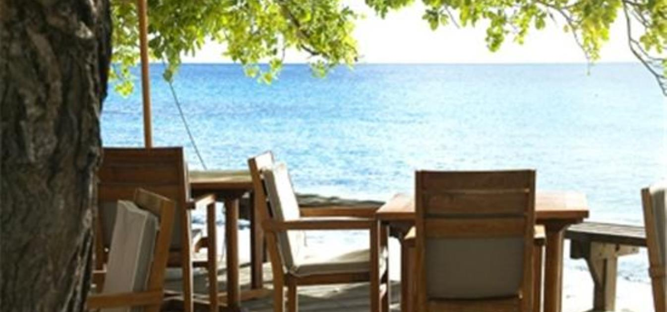vacation-rentals/st-vincent-and-the-grenadines/mustique/endeavour-bay/cotton-house-deluxe-room-and-suites-