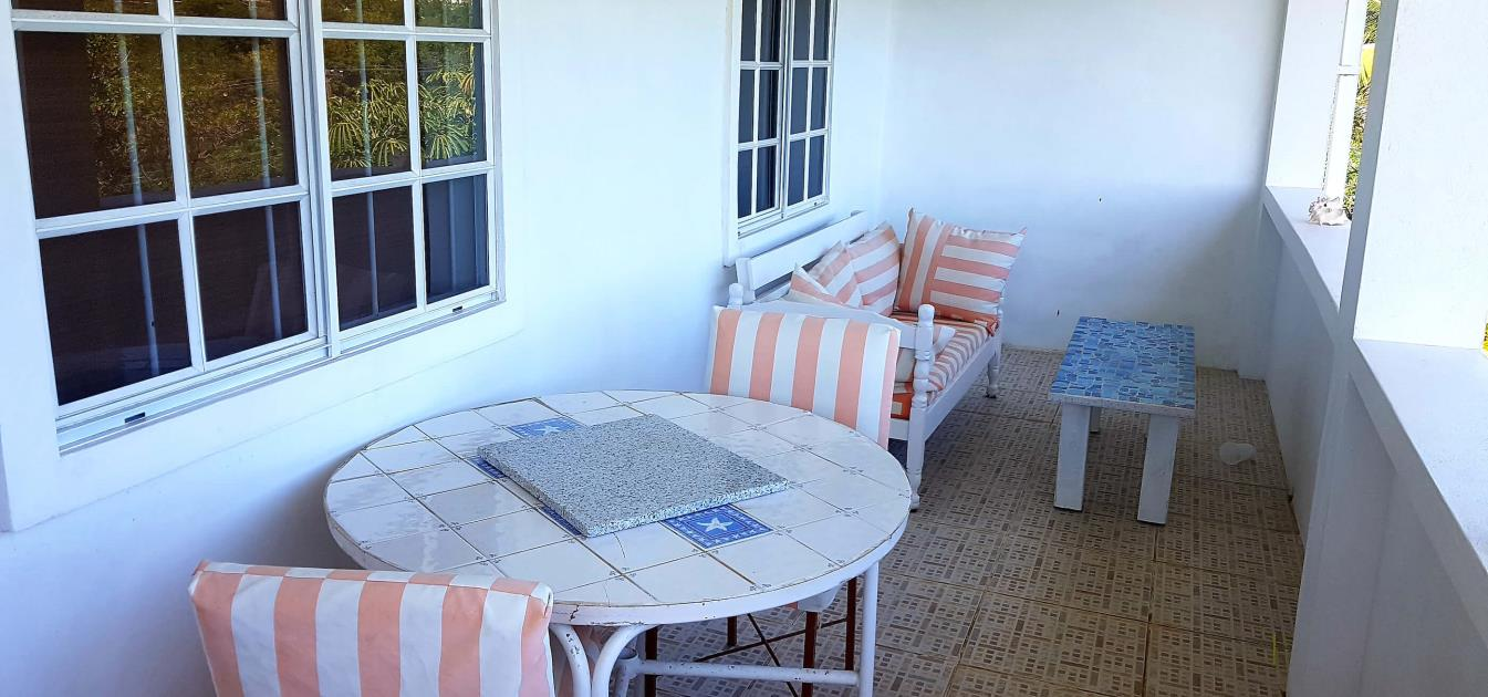 vacation-rentals/st-vincent-and-the-grenadines/st-vincent/ratho-mill/moonwater-seahorse-apartment