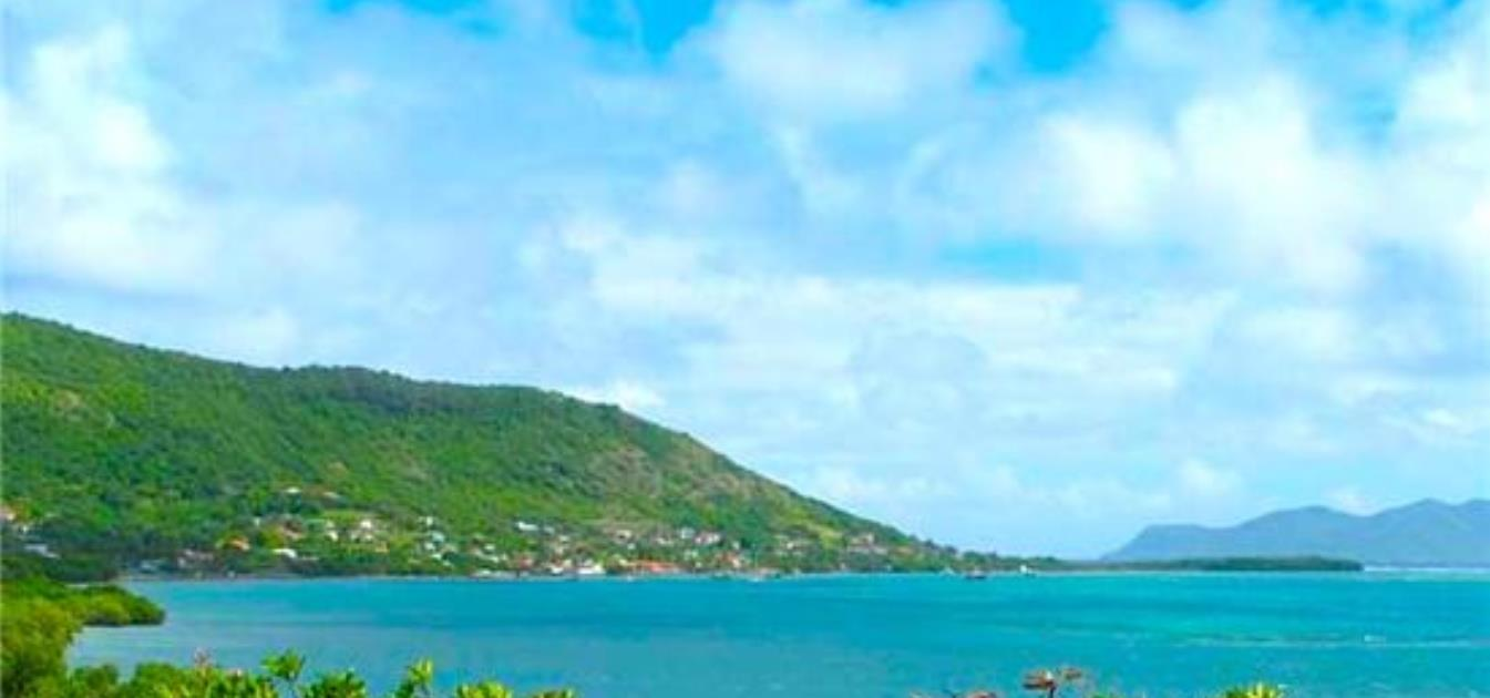 vacation-rentals/grenada/carriacou/point-saint-hilaire/bayaleau-red-cottage