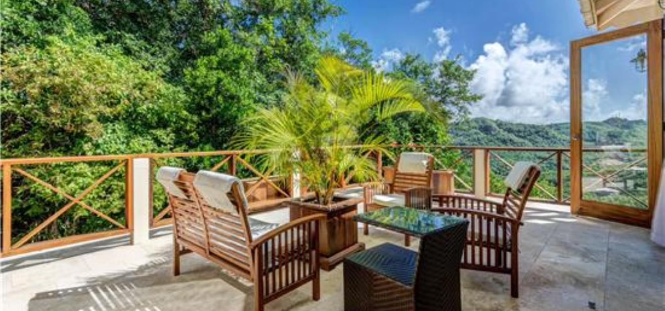 vacation-rentals/st-vincent-and-the-grenadines/bequia/spring/sadewa-villa-for-14-guests