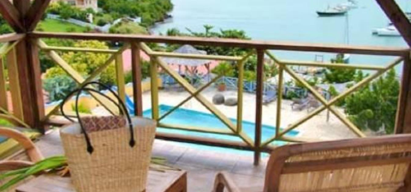 vacation-rentals/grenada/grenada-island/true-blue/blue-bay-tower-room