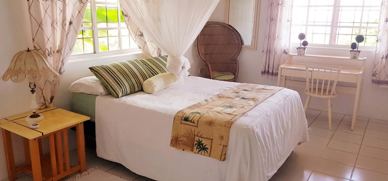 vacation-rentals/st-vincent-and-the-grenadines/st-vincent/ratho-mill/moonwater-garden-bedrock-duplex-apartment