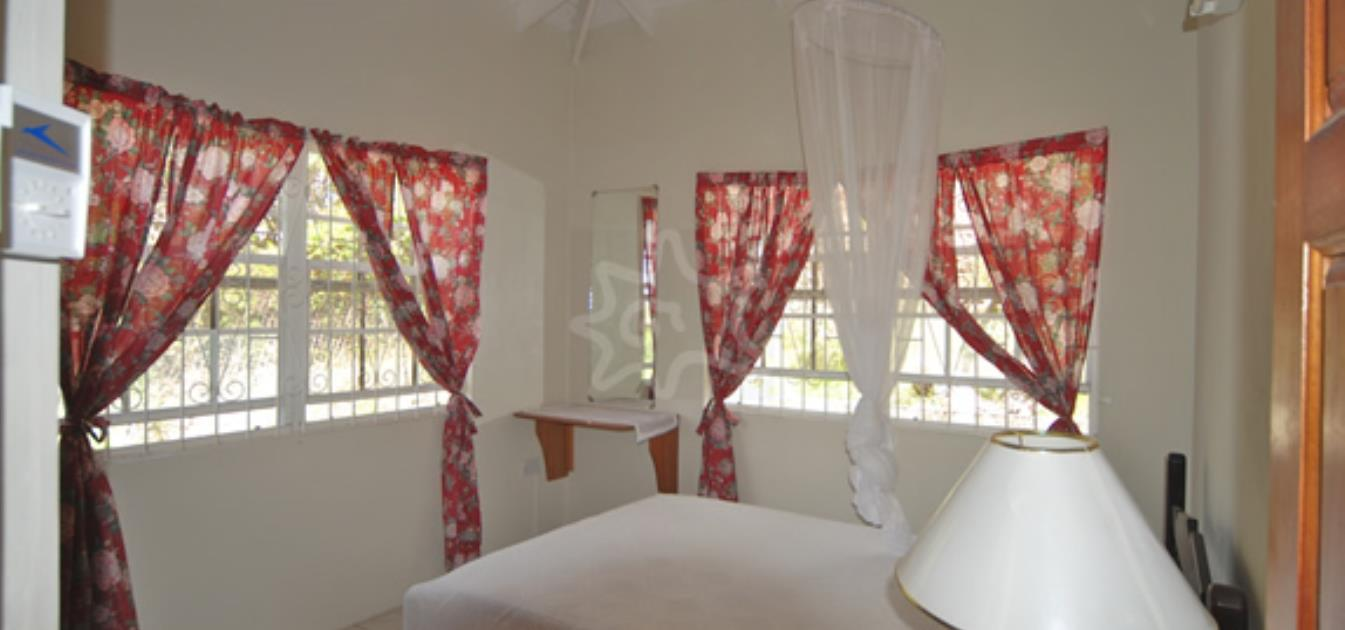 vacation-rentals/st-vincent-and-the-grenadines/bequia/lower-bay/hill-top-upper-and-lower