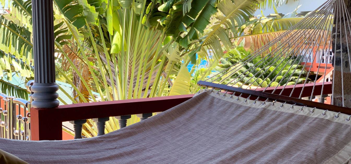 vacation-rentals/st-vincent-and-the-grenadines/bequia/lower-bay/captains-house
