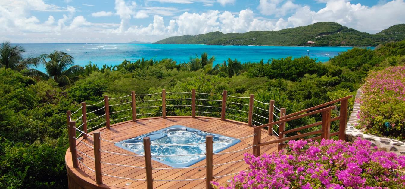 vacation-rentals/st-vincent-and-the-grenadines/canouan/canouan/big-blue-ocean-luxury-beachfront-villa-canouan-5-bedrooms-morpiceax-villa