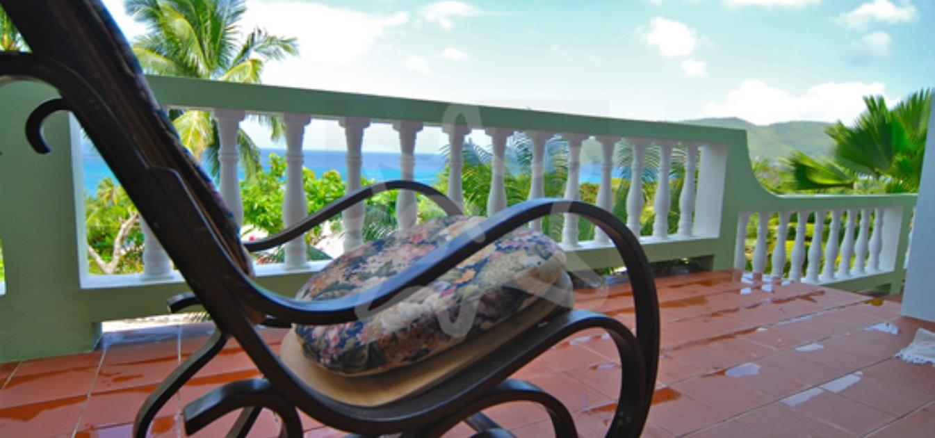 vacation-rentals/st-vincent-and-the-grenadines/bequia/lower-bay/lighthouse-villa