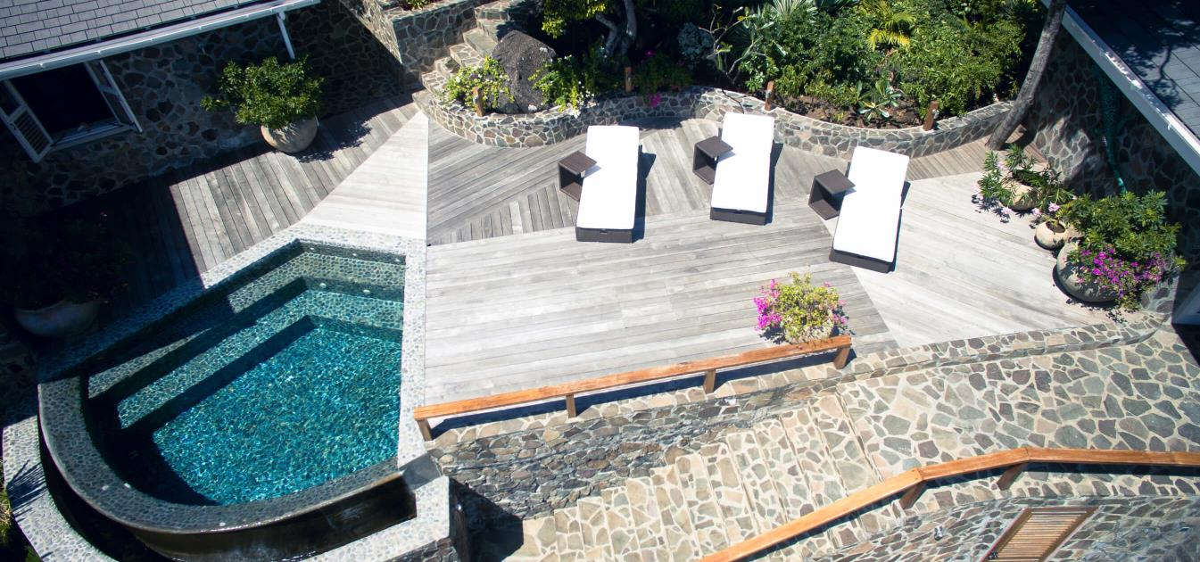 vacation-rentals/st-vincent-and-the-grenadines/bequia/moonhole/sandrock-bequia