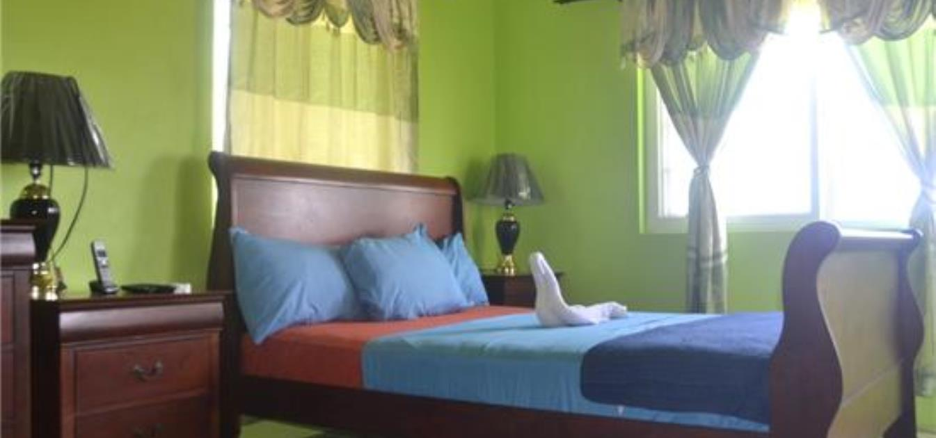 vacation-rentals/st-vincent-and-the-grenadines/bequia/friendship-bay/quiet-villa-upper-apt