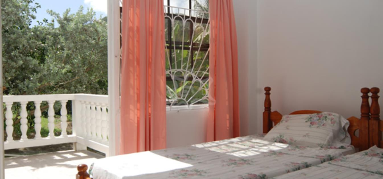 vacation-rentals/st-vincent-and-the-grenadines/bequia/lower-bay/twilight-bequia