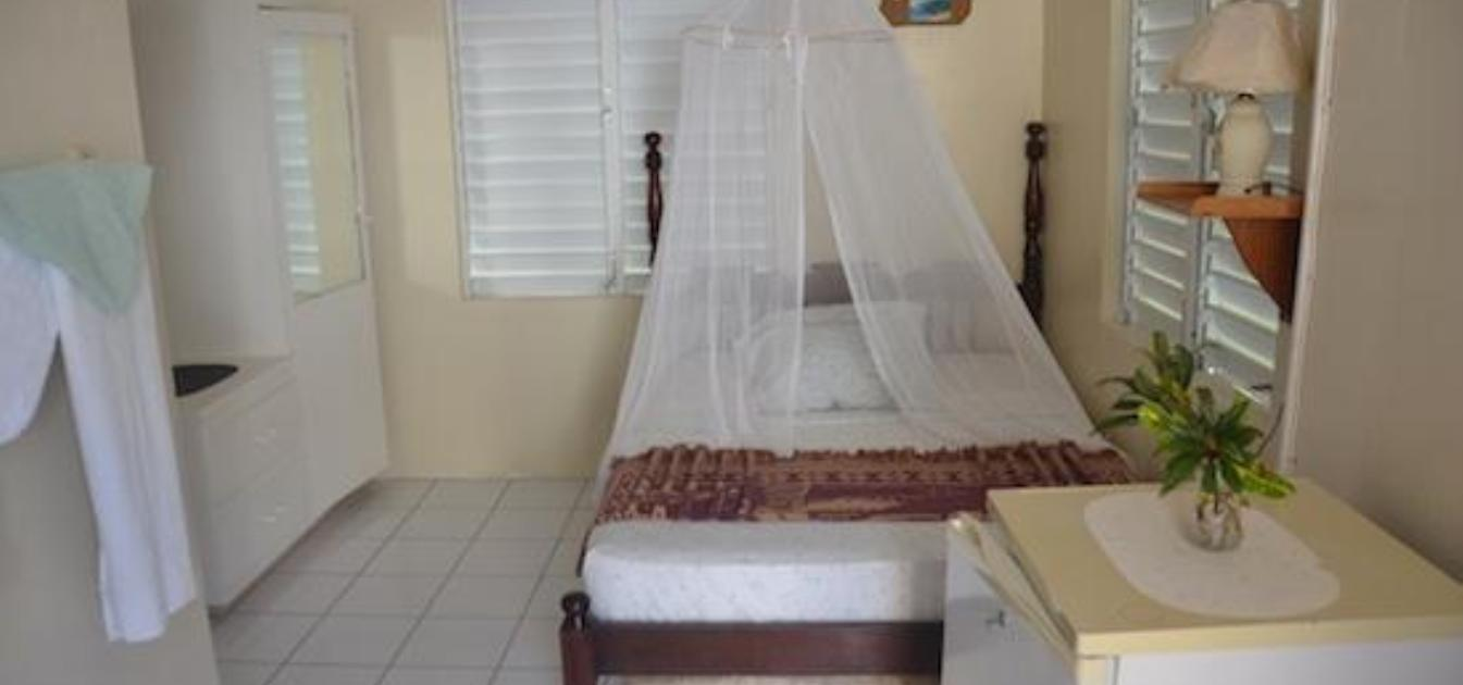 vacation-rentals/st-vincent-and-the-grenadines/bequia/lower-bay/keegan's-beach-resort-rooms