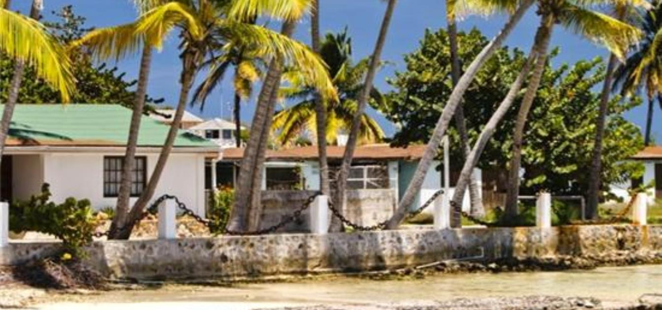 vacation-rentals/st-vincent-and-the-grenadines/union-island/clifton/anchorage-big-beach-cottage
